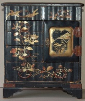 Vintage japanese lacquer jewelry box with bird and plants motifs on the top.