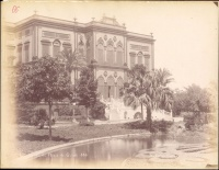 017.     ABDULLAH FRÈRES (Abdullah Brothers, Hovsep and Kevork) : La facade du Palais de Ghizeh. Cca. 1880.