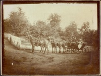 165.     UNKNOWN - ISMERETLEN : [Four-horse chariot is in full feather in a Hungarian village], cca. 1900.