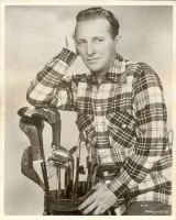 297.     UNKNOWN - ISMERETLEN : [Bing Crosby signed photo], cca 1950.