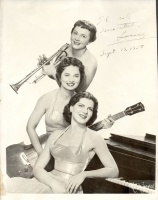 301.     SEYMOUR, MAURICE (N. Y.) : [Women's band in New York (one member of it migrated from Hungary in 1956)], 1958.