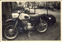 097.   [MZ motorkerékpár, ES 150/1 1969 modell]. [amatőr fotó] <br><br>[MZ motorcycle, ES 150/1 1969 model]. [amateur photo]  :