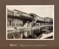 219. Magasvasutak városok belterületén. [fotóalbum magyar képaláírásokkal]<br><br>[Elevated railways in the inner-city area of Berlin, Hamburg, Dresden, Bremen, Hannover, Stuttgart, Nürnberg...] :
