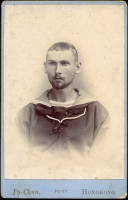 289.  [Ismeretlen (K.u.K.?) matróz]. [kabinet fotó]<br><br>[Unknown (K.u.K.?) sailor]. [cabinet card photograph] :