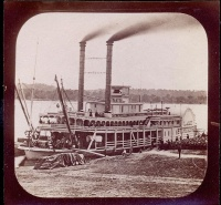 313. Northern Line Packet Company. [sztereofotó fele]<br><br>[Northern Line Packet Company paddle steamer 'Lake Superior' on the Mississippi river]. [½ stereo photo]  :